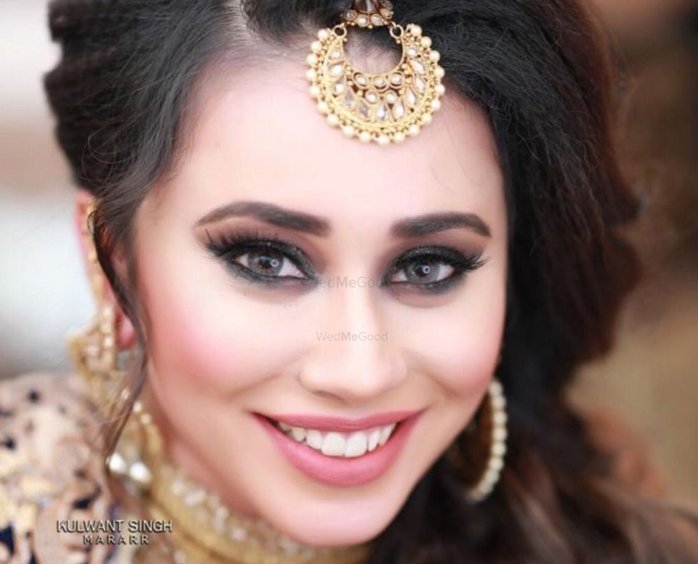 Photo By Aarshia Makeovers - Bridal Makeup