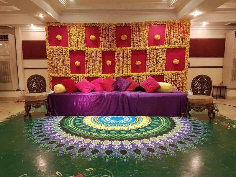 Photo By Golden Apple Entertainment - Decorators