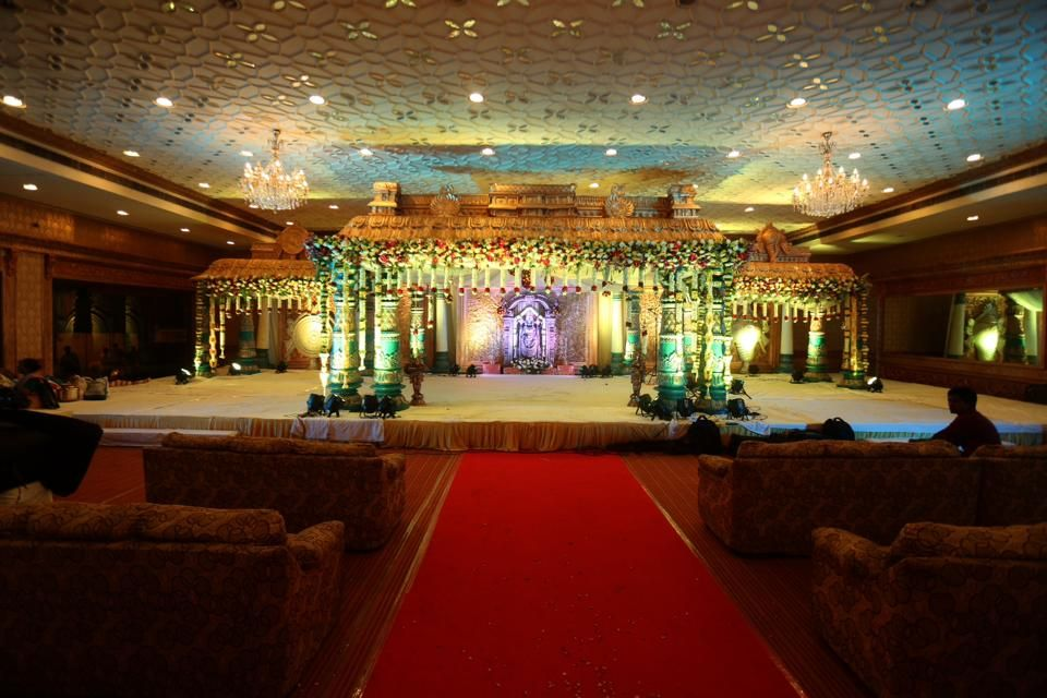 Photo By Navanera Decorations - Decor