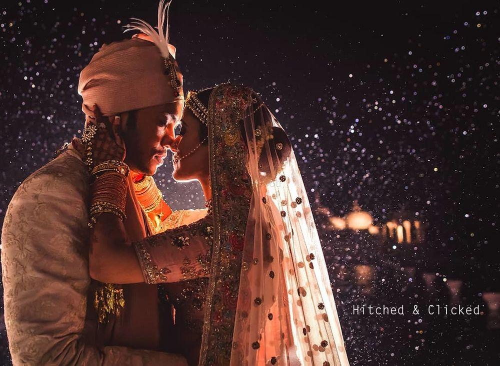 Photo of night wedding romantic couple portrait