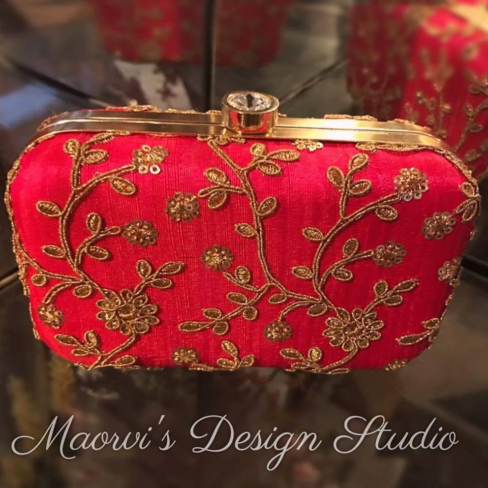 Photo By Maorvi's Design Studio - Accessories