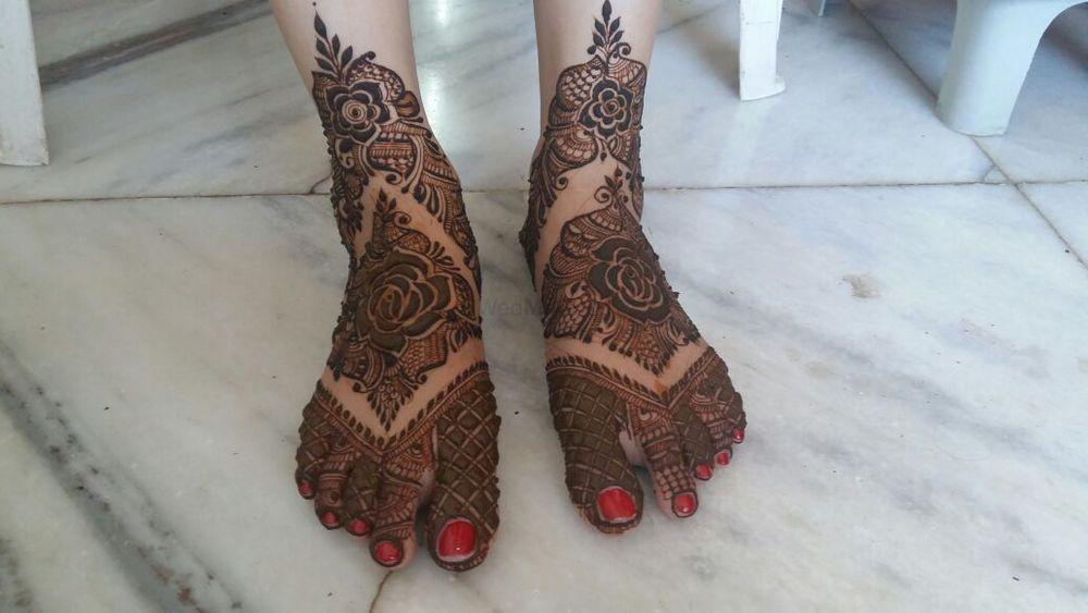 Photo From Bride Rinjal Vanigota - By Aksha Shah Mehendi Designer