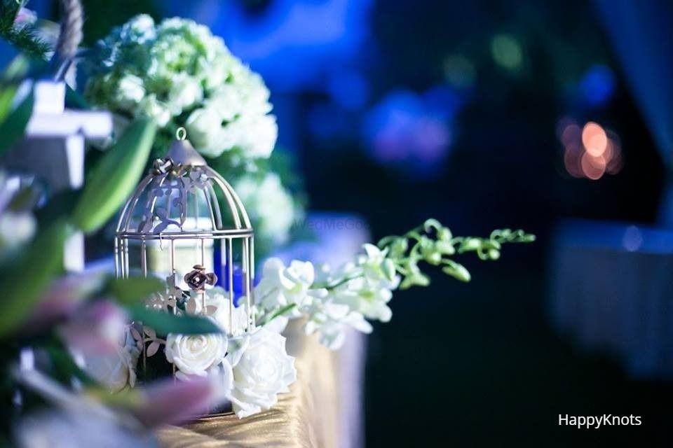 Photo of bird cage wedding decor