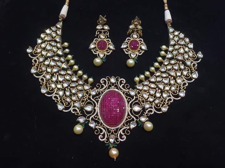Photo of kundan and diamond bridal necklace