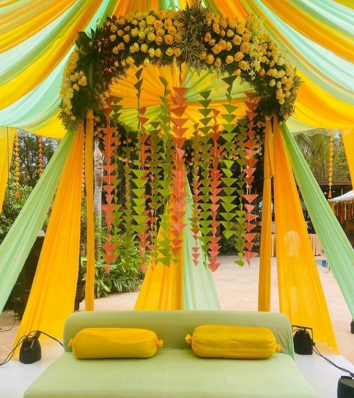Photo From Mehndi Decor - By Weddings Unveiled