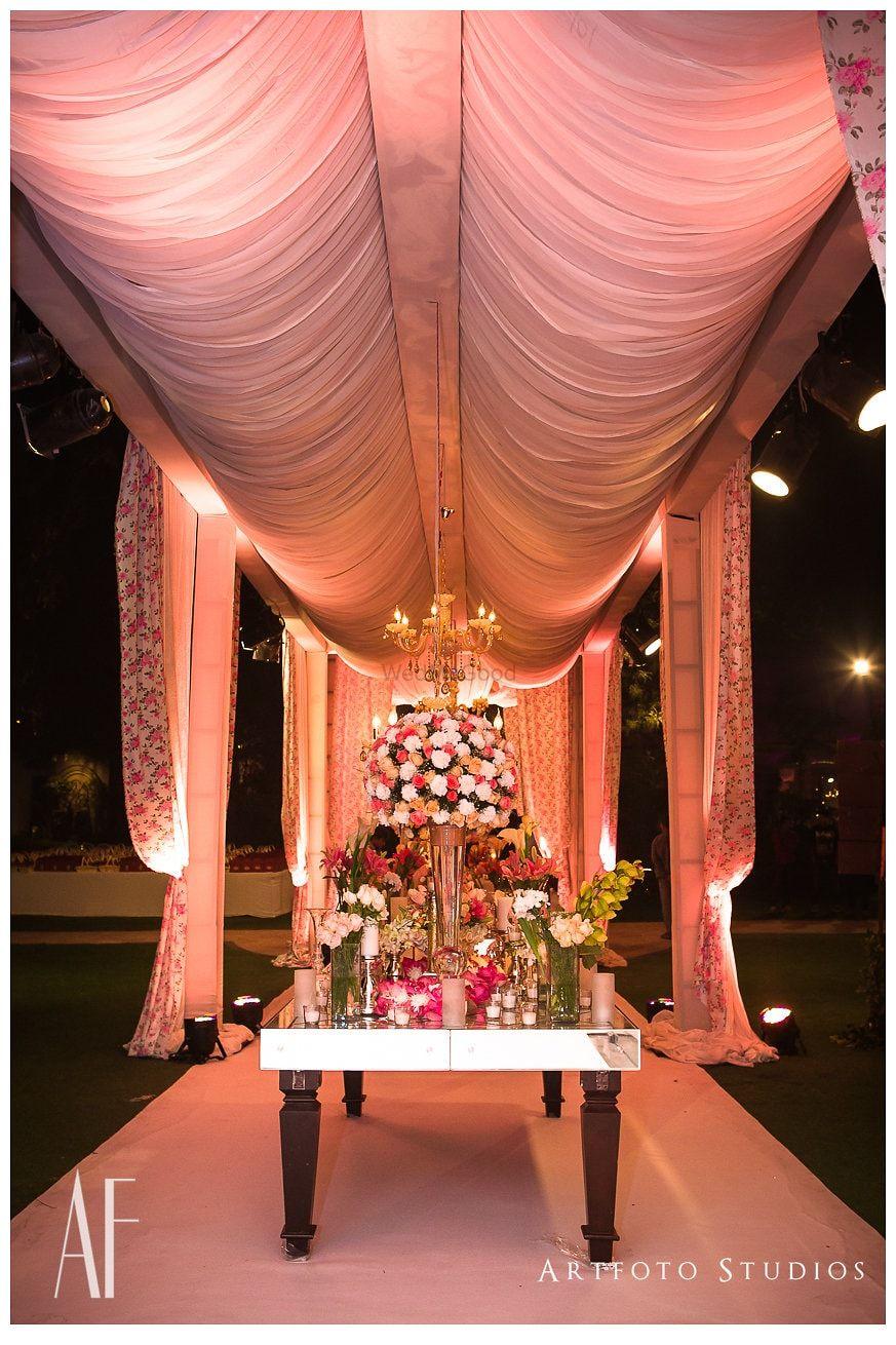 Light Pink Wedding Decor Photo floral decor