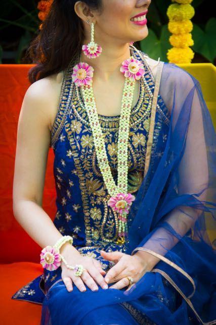 Photo of flower jewellery for mehendi