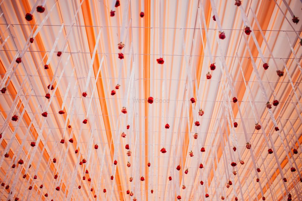 Photo of Tent decor ideas with hanging floral strings