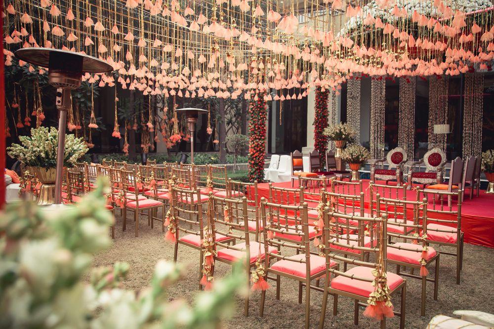Photo of Pretty decor in peach