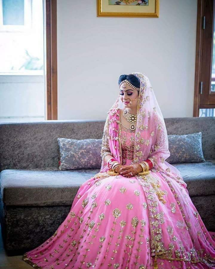 Photo of Bride in pink