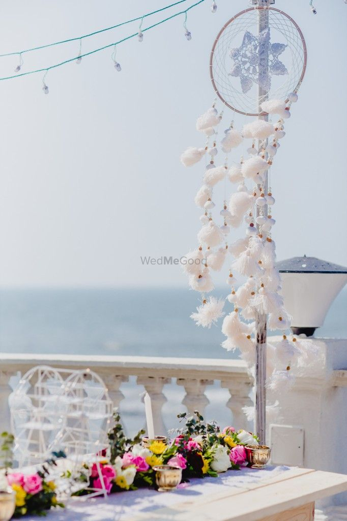 Photo of Day decor elements in white
