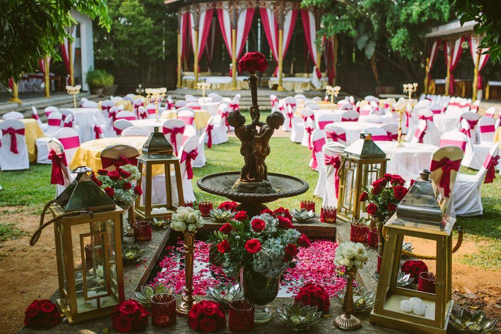 Photo of Mehendi floral decor