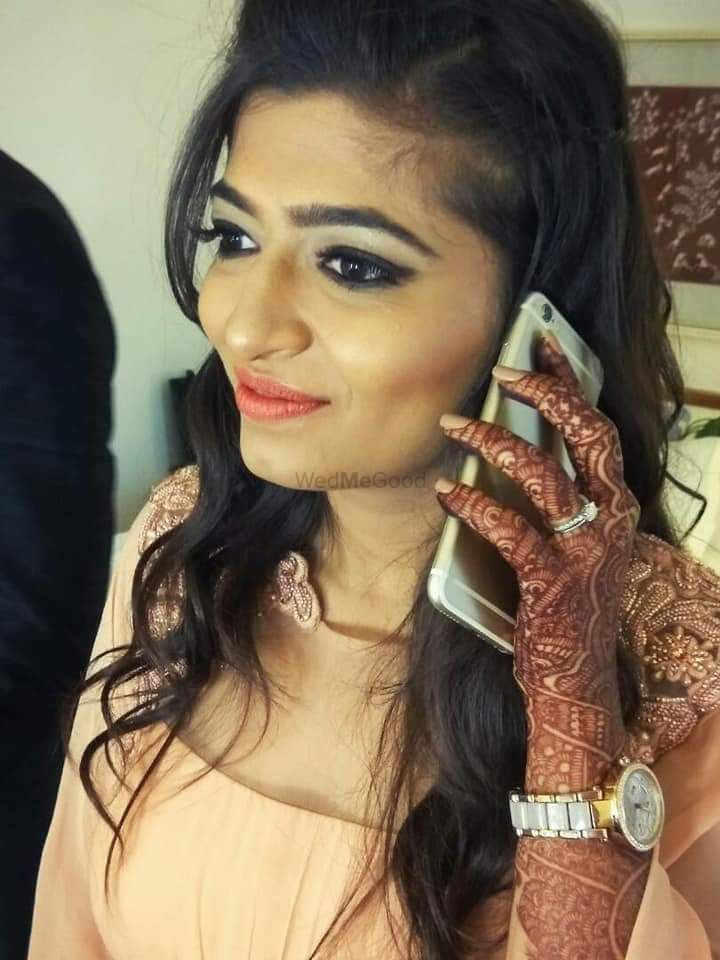 Photo From Beautiful Bride Priyanka - By Makeovers By Kamakshi Soni