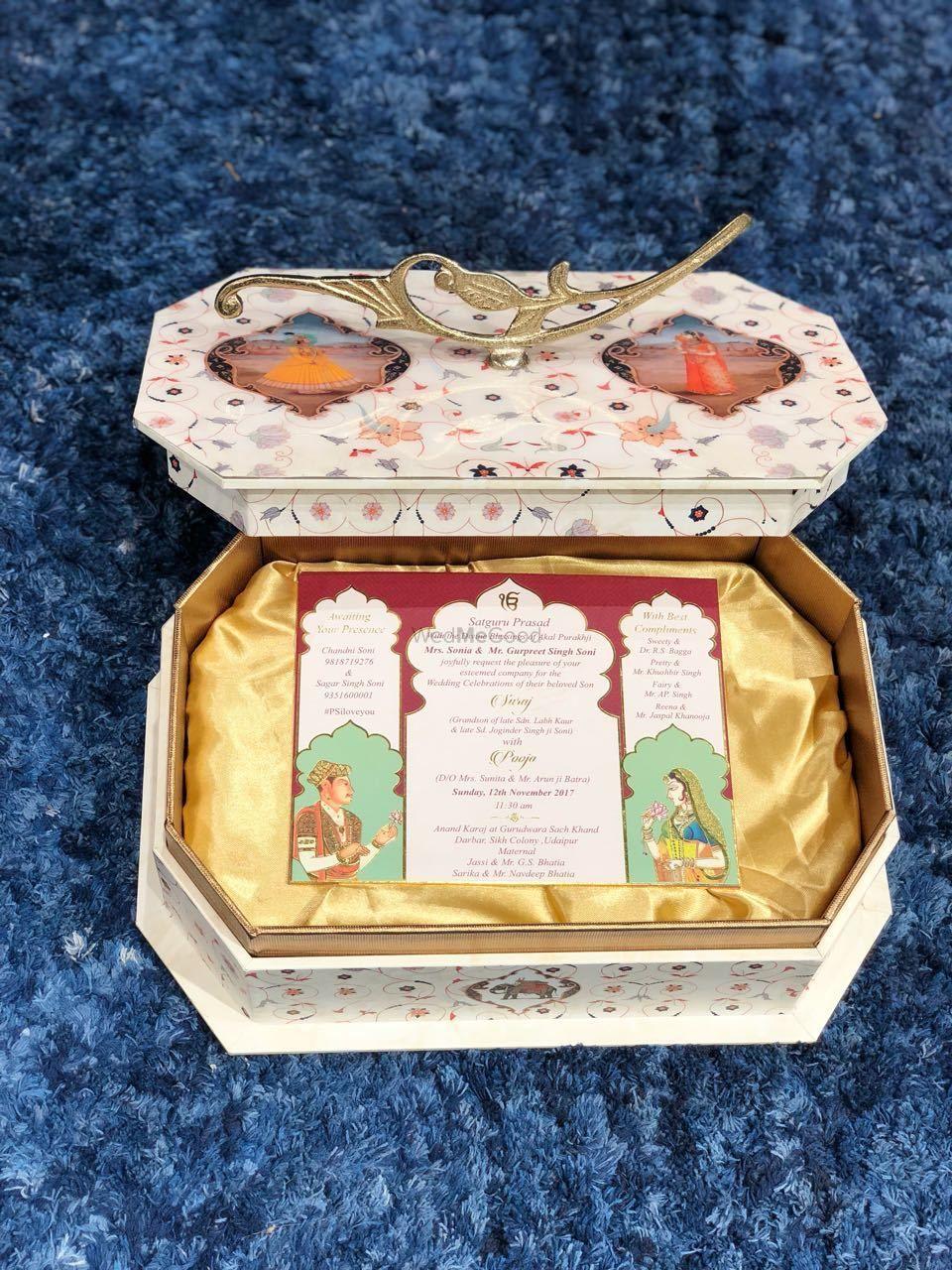 Photo of Wedding invitation box thats reusable