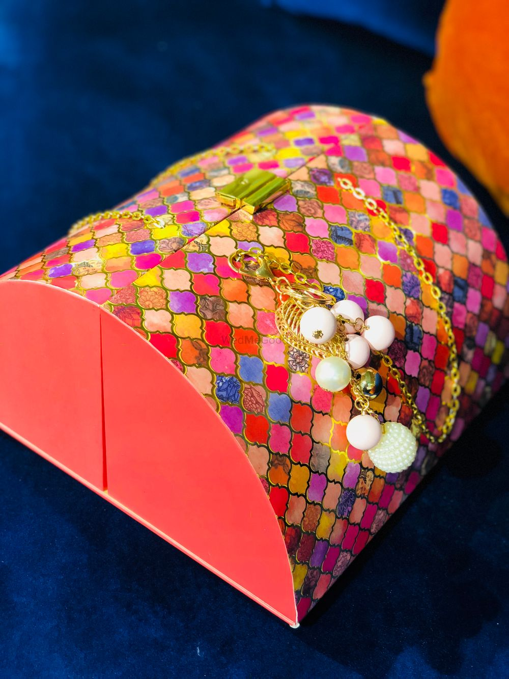 Photo of Honeycomb reusable wedding invite box