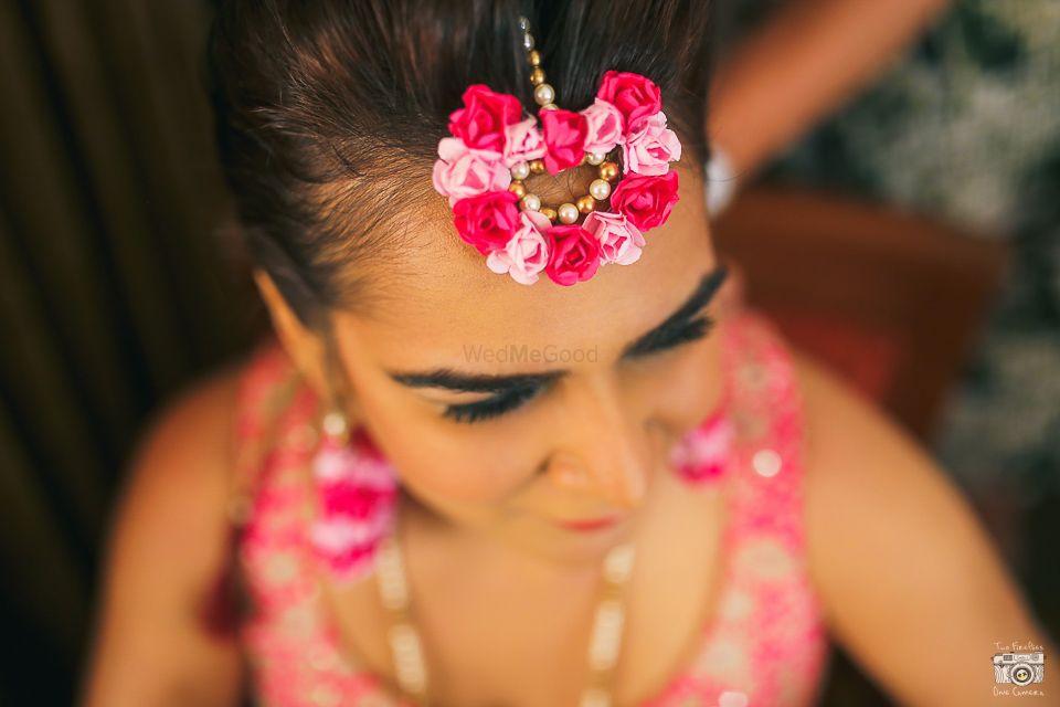 Photo of light pink maang tikka