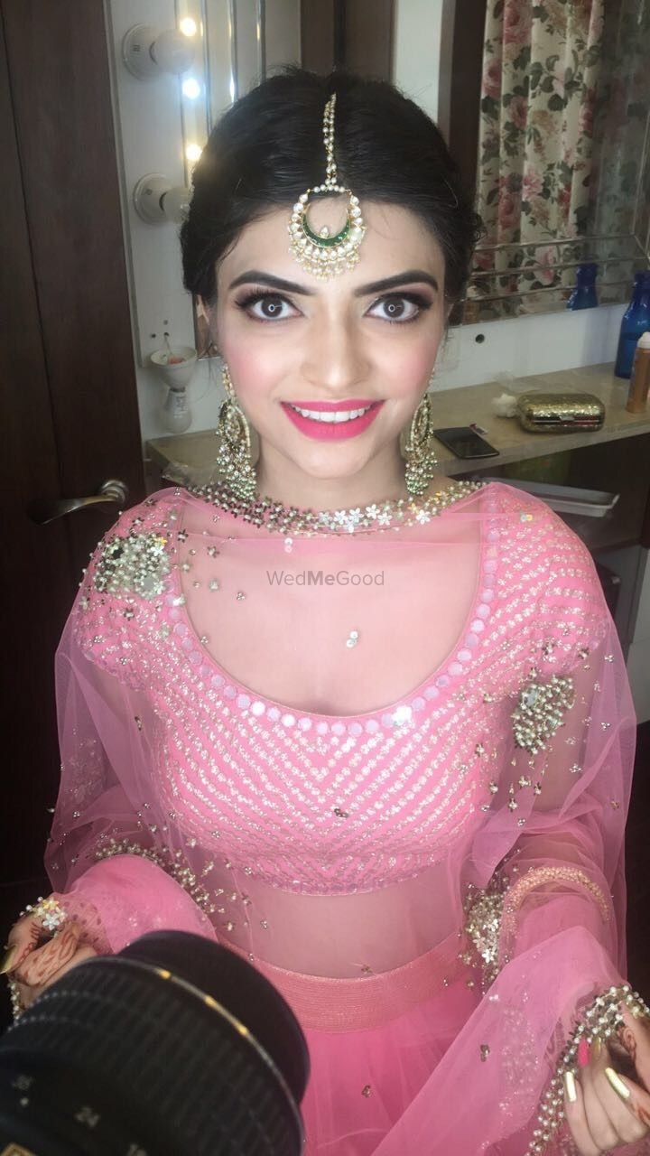 Photo From Mehndi Look for Bride's Sister - By Wedsta Diamond Package