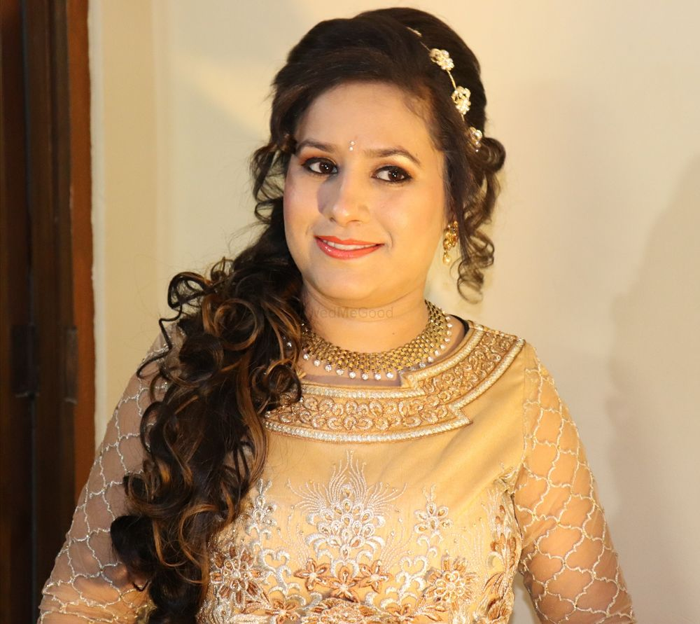 Photo From Engagement Makeup - By Simran Khanna Makeovers