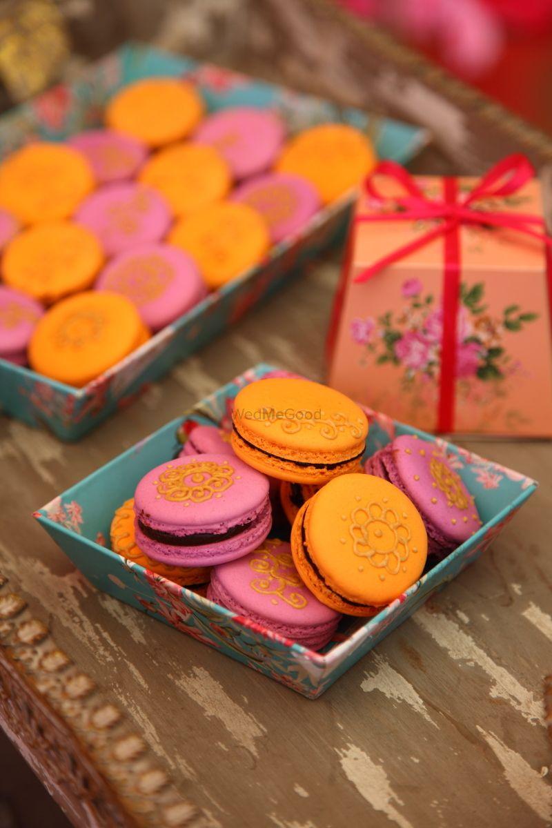 Photo of Mehendi macarons as wedding favours