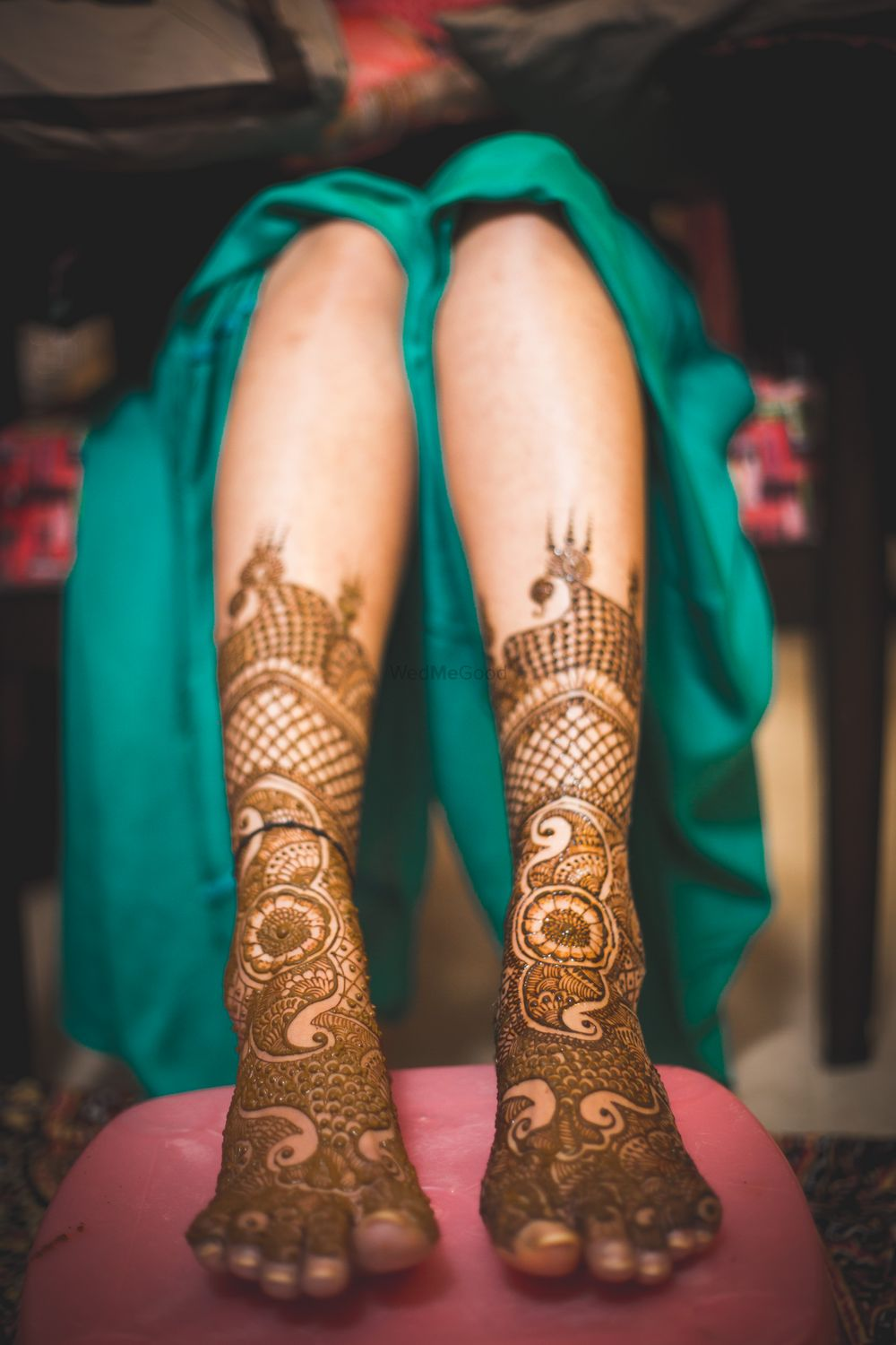 Photo of Minimalistic feet mehendi design for brides
