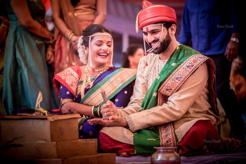 Photo of Cute maharashtrian couple on thier wedding day