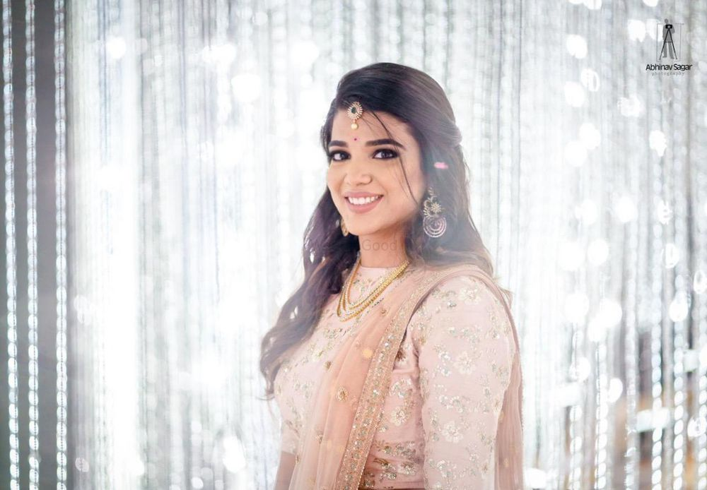 Photo of Stunning light makeup for an engagement or sangeet!