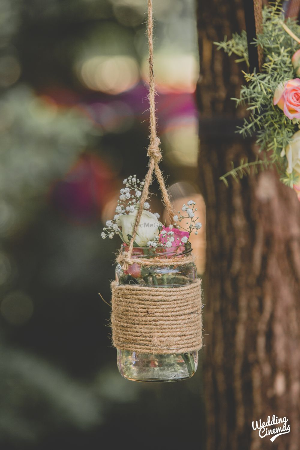 Photo of Flowers and babys breath in mason jars DIY