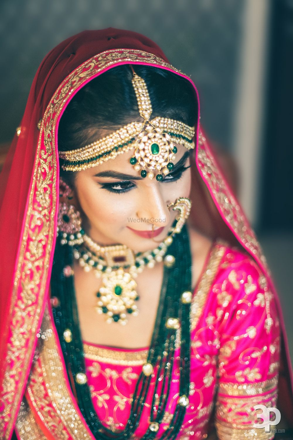 Photo of Green contrasting bridal jewellery with beads