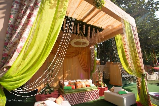Photo of Floral printed drapes for the mehendi