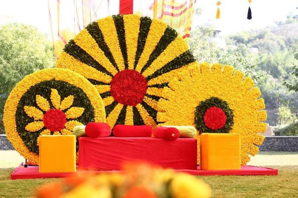 Photo of Pretty genda phool decor for mehendi