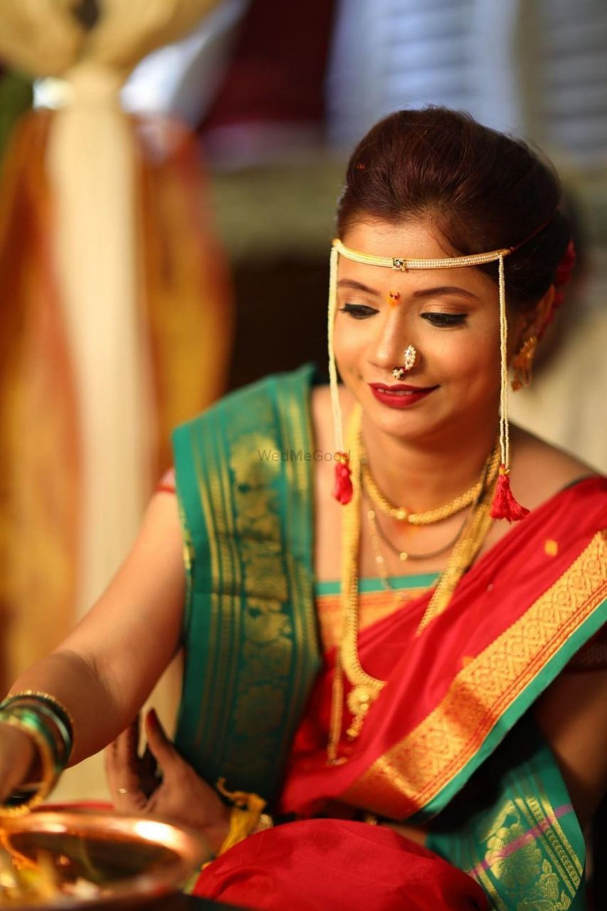 Photo From Maharashtrian / Nauwari Bridal Looks - By Tanya Arora Makeovers