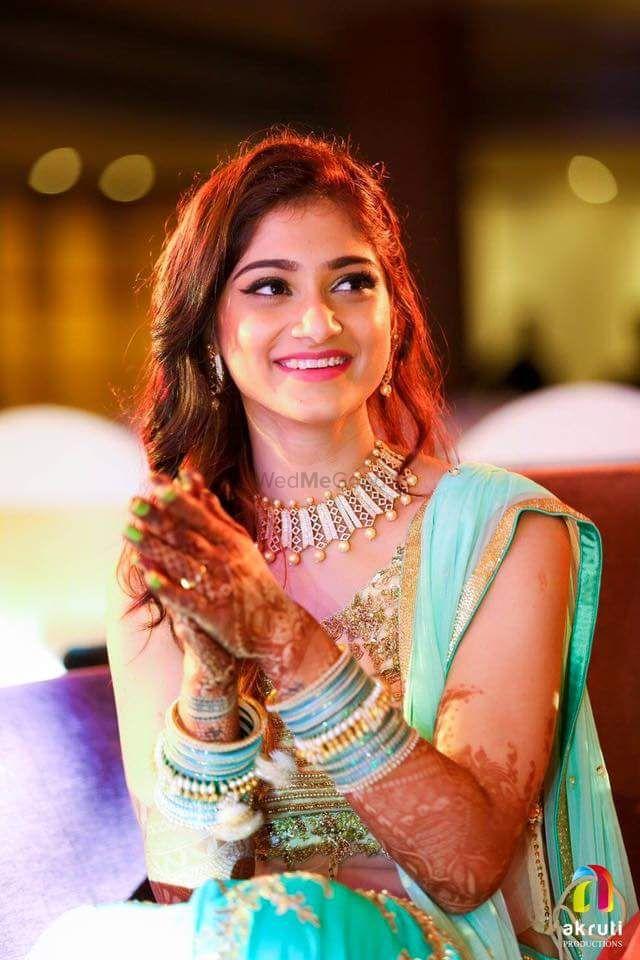 Photo From Makeup fot Sana's Sangeet! - By Make-up by Afsha Rangila