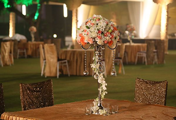 Photo of floral table centerpiece