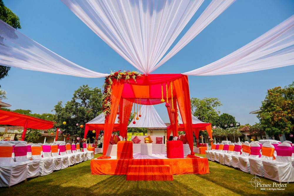Photo From Karan + Meera's Sindhi-Gujrati wedding - By Picture Perfect India