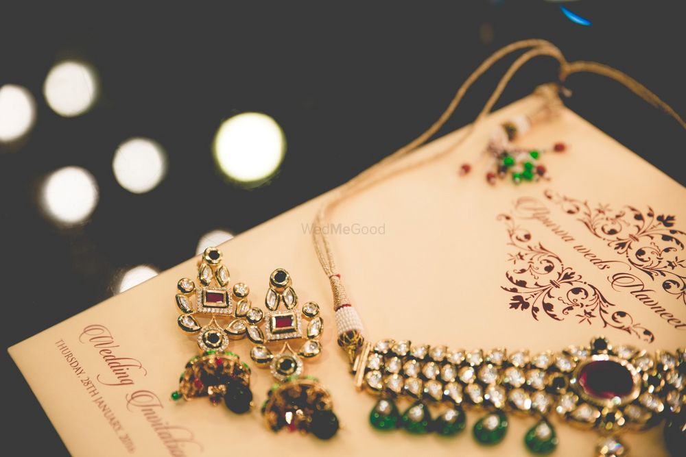 Photo of Traditional Bridal Jewelry with Emerald Beads