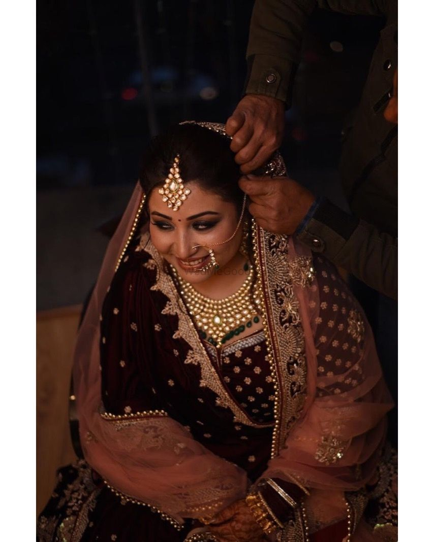 Photo From Subtle Smokey eyes n Soft lips_Prachi's Bridal - By Nivritti Chandra
