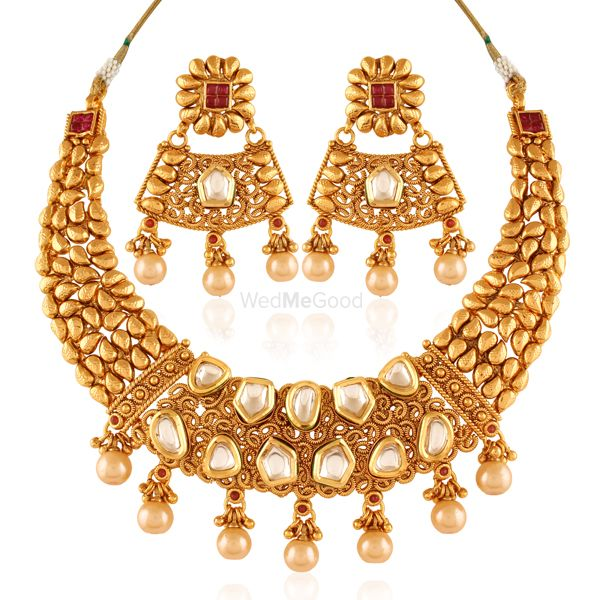 Photo of gold and polki necklace