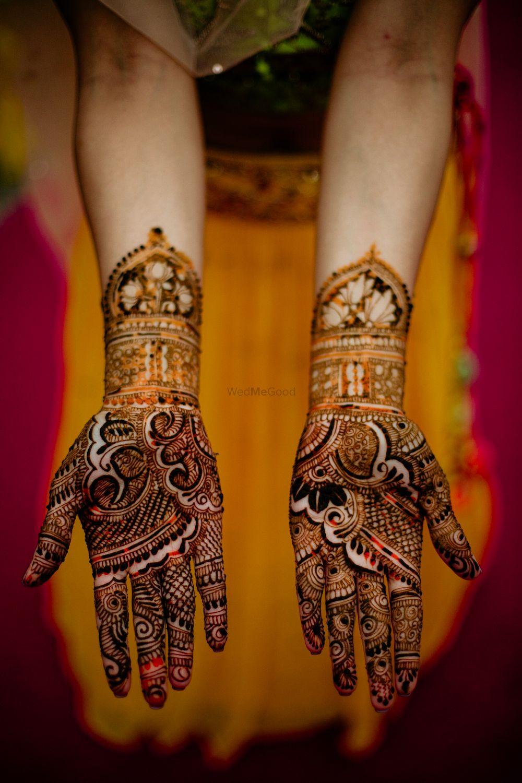 Photo of Intricate mehndi design for modern brides
