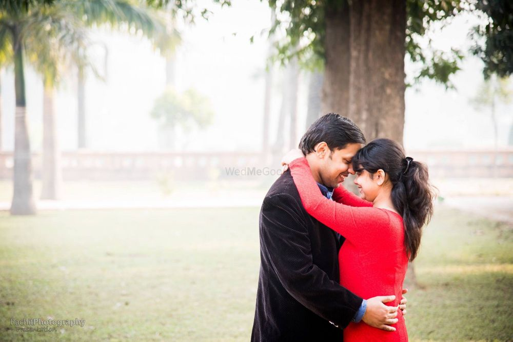 Photo From Prewedding Shoot - By Golden Aperture