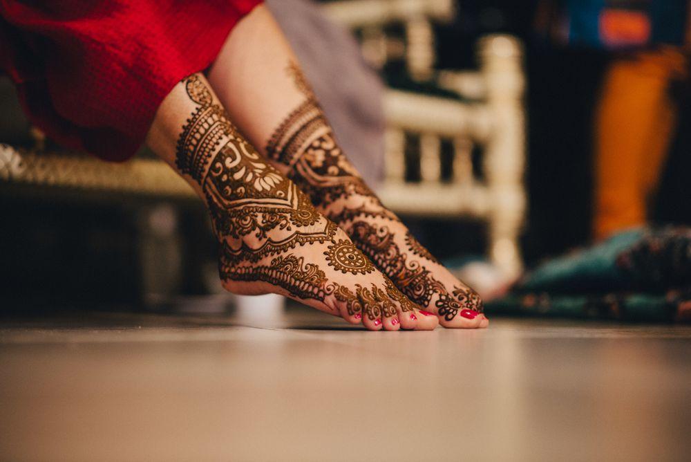 Photo of bridal feet mehendi design