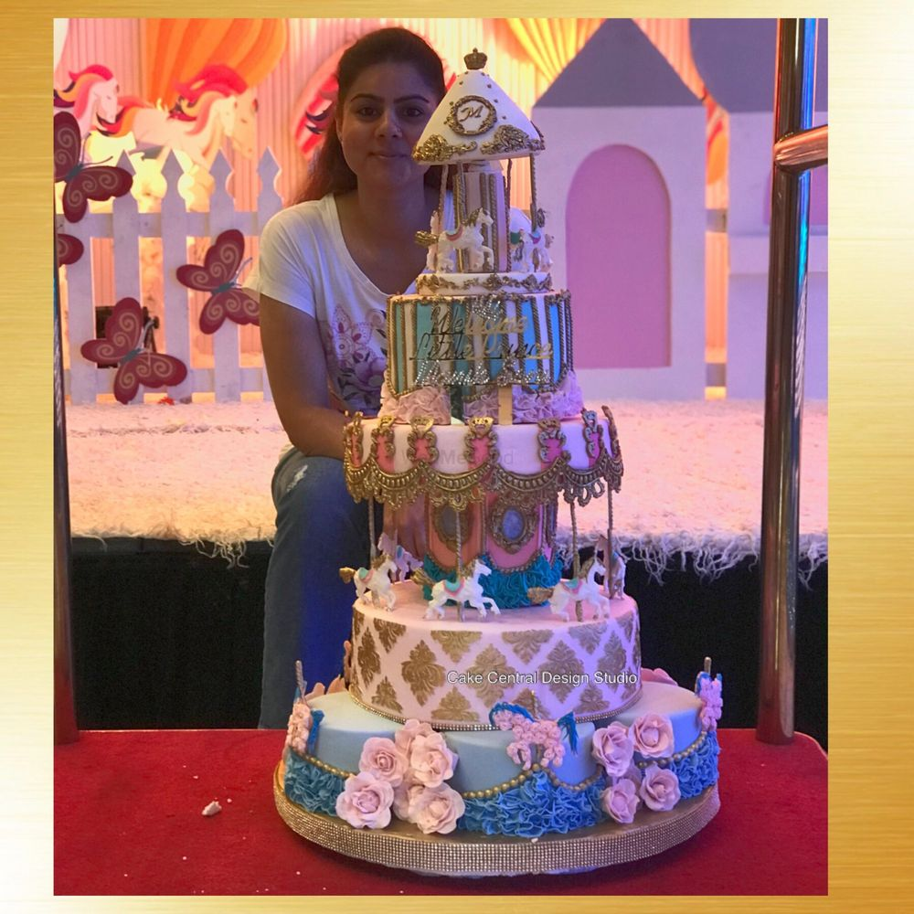 Photo From Luxury Cakes  - By Cake Central Design Studio