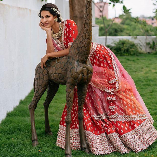 Red Bridal Lehenga Photo bride in red