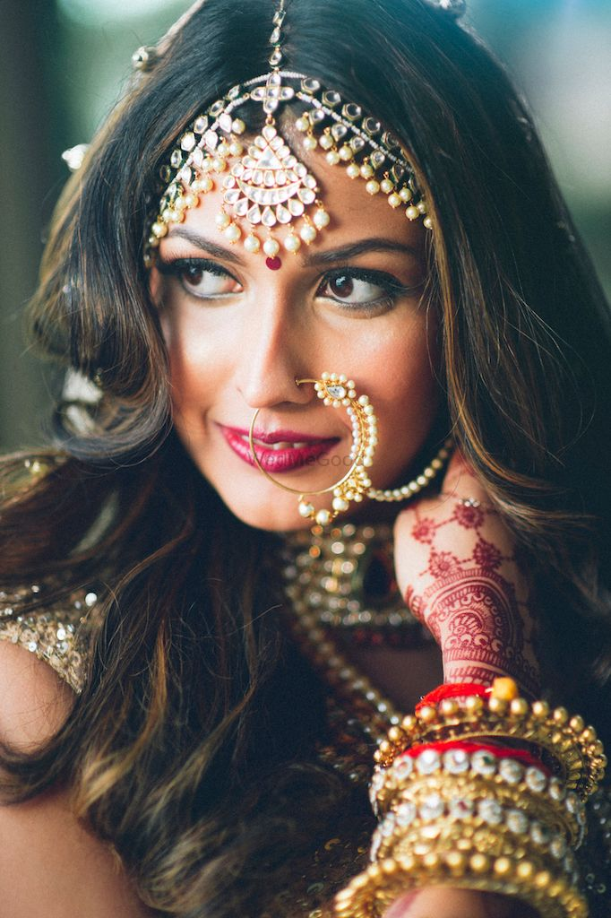 Photo of Statement Bridal Jewellery with Mathapatti and Nath