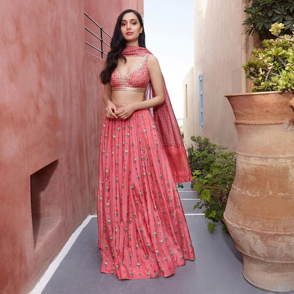 Photo of Light lehenga for the sister of the bride