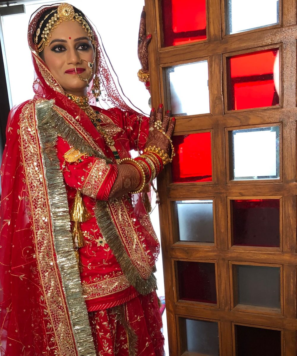 Photo From Bride Sakshi - By Makeovers By Kamakshi Soni