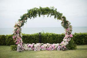Floral photobooth giant wreath