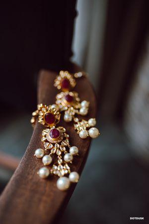 Bridal earrings with rubies