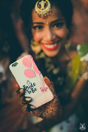 Cute bridal accessory bride to be phone cover