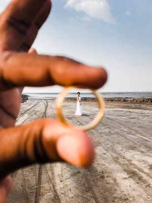 Pre wedding shoot engagement idea with ring
