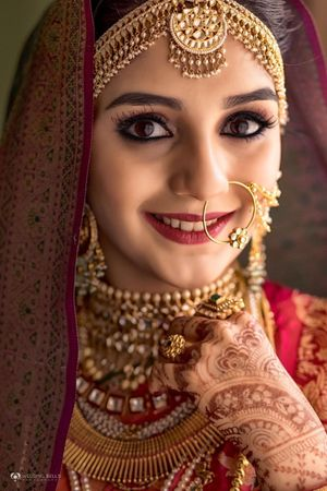 Dark kohl eyes for South Indian bride